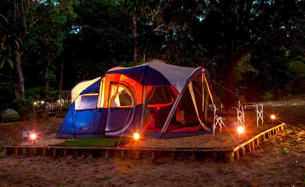 Tent accommodation on Koh Ra