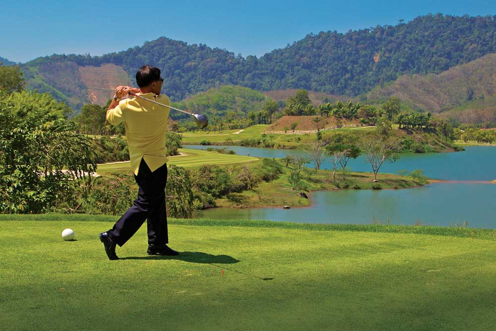 The Governor of Phang Nga Khun Payonrat Rattanaseni is invited to open the course